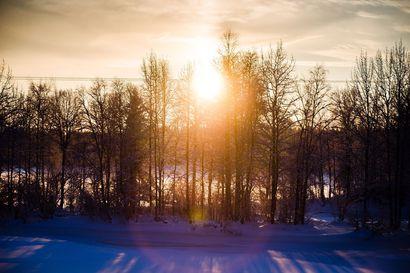Hyytävän kylmää: Sodankylän Lokassa on pakkasta 38,3 astetta, Ivalossa ja Vuotsossa vain hieman vähemmän – illaksi Lappiin saapuu lumisade