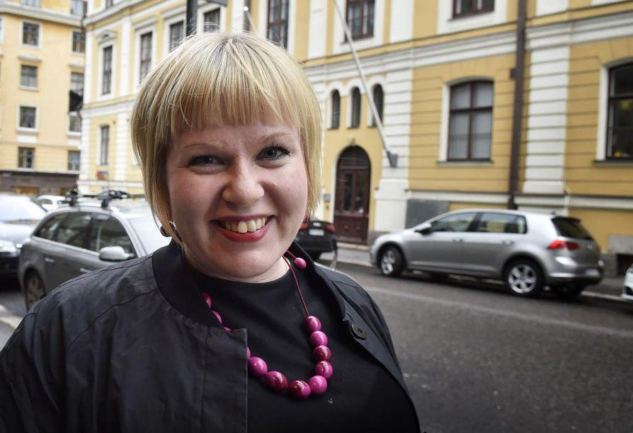 Perhe- ja peruspalveluministeri Annika Saarikko vastaa tasa-arvoasioista hallituksessa.