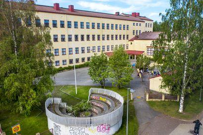 Arkkitehtiliitto esitti suojelua rakennusperintölain nojalla, ely-keskus hylkäsi suojeluesityksen – Oulun kaupungin mielestä kohteen säilyminen voidaan turvata vireillä olevassa asemakaavassa