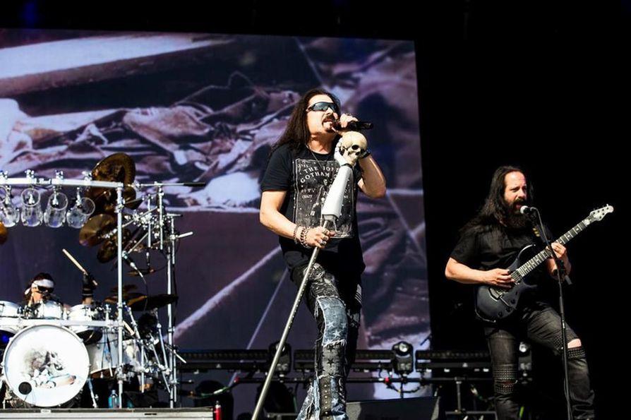 Dream Theater esiintymässä Norjassa menneenä kesänä.