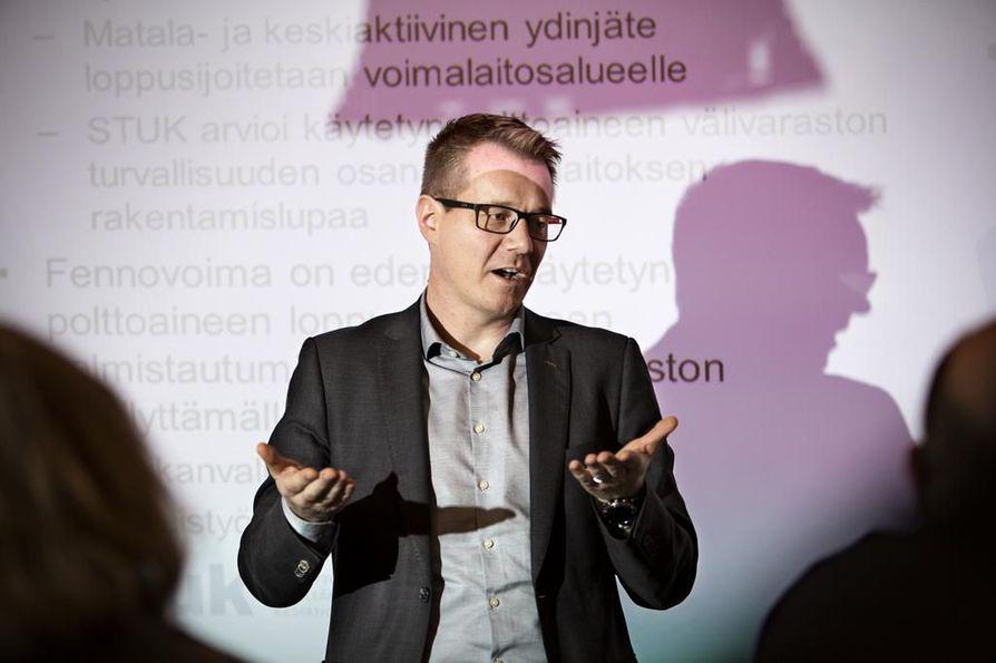 Stukissa ydinjätteiden ja ydinmateriaalien valvonnasta vastaava johtaja Jussi Heinonen kertoo, että Fennovoima on esittänyt tässä vaiheessa viranomaiselle riittävät jätehuollon suunnitelmat.