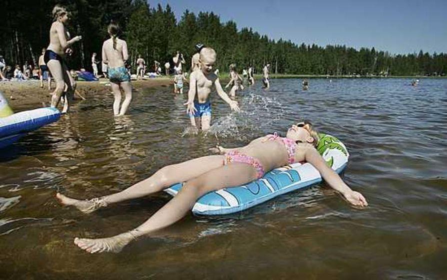 Tämän kesän ykkösranta Oulun seudulla on Valkiaisjärven rannalla.