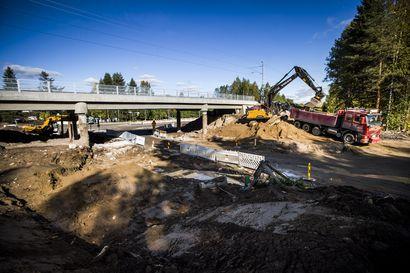 Ounasvaaralle voi jo kulkea uuden sillan ali –tietyöt hidastavat liikennettä vielä joitakin viikkoja, sitten palkitaan myös pyöräilijät