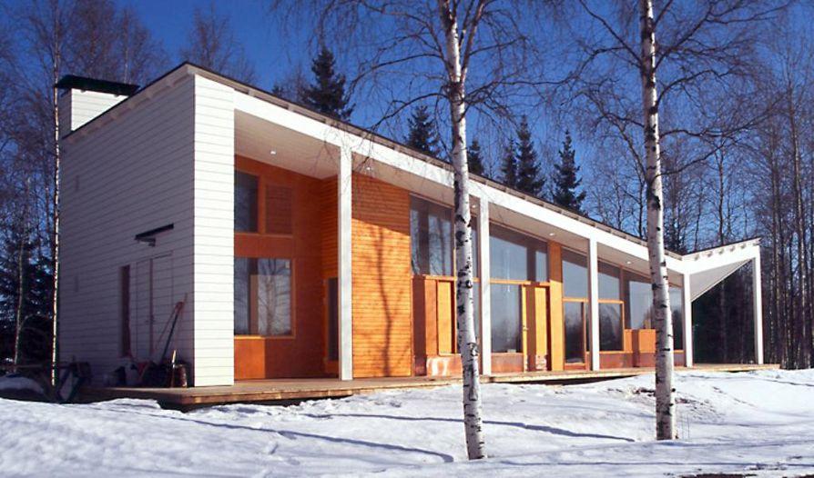 """""""Oululaisten arkkitehtien keskuudessa on todella paljon lahjakkuutta, mutta olen varma, että ainakin Lauri Louekarin nimi tulee vielä nousemaan korkealle kansallisesti ja kansainvälisesi"""", Esa Kauppi sanoo. Kuvassa Louekarin Oulaisiin suunnittelema Villa Laulumaa (2009)."""