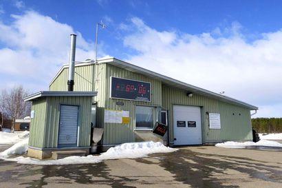 Korona vei Inarin kalastajilta markkinat –kunta vapauttaa heidät kalahallimaksuista
