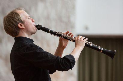 Klarinetistin konserttisarja kuullaan aluksi vain Ylä-Lapin kirkoissa: Kirkot inspiroivat Lauri Sallista