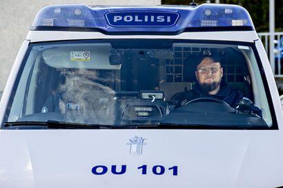 """Kaleva seurasi poliisipartion iltavuoroa Oulussa – """"Päivällä poliisi tarjoaa poliisipalveluja veronmaksajille, ilta- ja yöaikaan alkaa rosvojahti"""""""