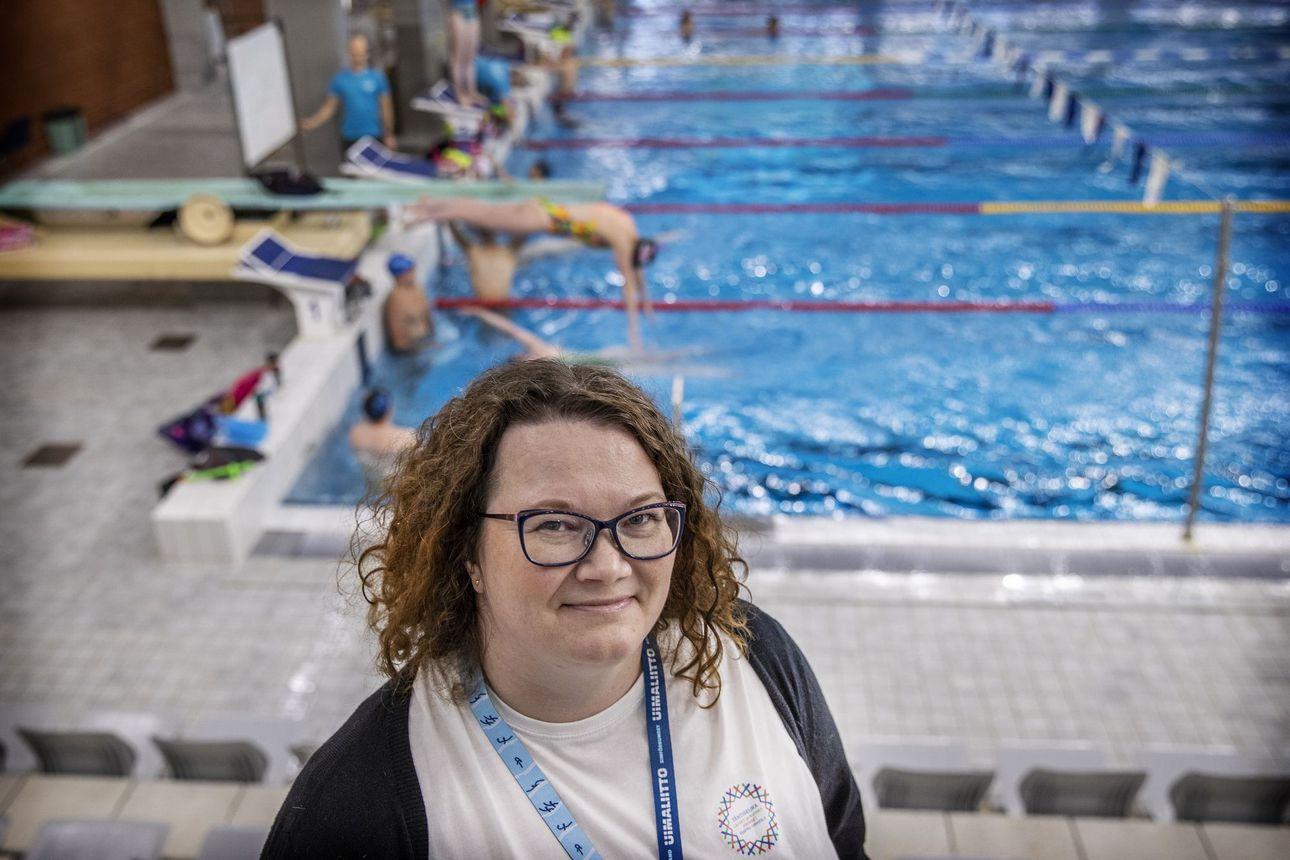 """Seuravanhuksen lasikatto meni rikki, kun Oulun Uinti sai ensimmäisen naispuheenjohtajansa – """"Valinta tehdään osaamisen, ei sukupuolen mukaan"""""""