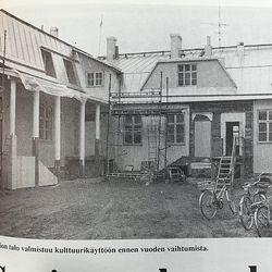 Vuosien takaa: 30 vuotta sitten Raahen vanhin kaksikerroksinen talo peruskorjattiin kulttuuritiloiksi