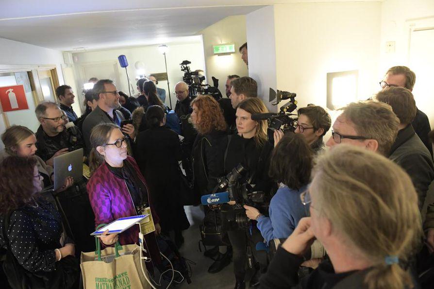 Tukholman Drottninggatanin terrori-iskun oikeudenkäynti alkoi tänään. Oikeudenkäynti jatkuu toukokuuhun saakka.