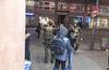 Strasbourgin keskustassa liikkui sotilaita heti ampumisen jälkeen.