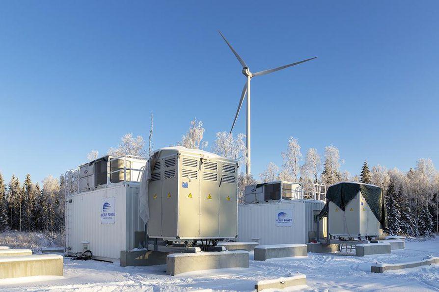 Tuuliwatti rakentaa Simon Halmekankaalle Pohjoismaiden suurinta sähkövarastoa. Kuuden megawatin jättiakku sijoitetaan kuuteen konttiin Tuuliwatin tuulivoimaloiden lähettyville.