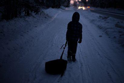 """Valtakunnallinen perhetutkimus: Pohjoispohjalaiset perheet toivovat vertaistukea – """"Lapsen ajasta kilpailevat monet passivoivat ärsykkeet"""""""