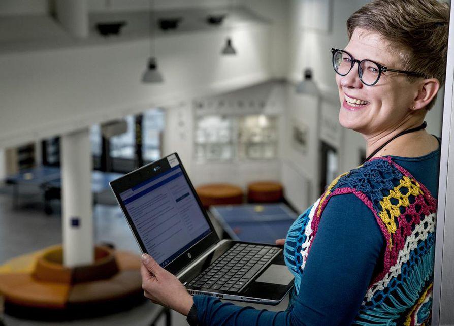 Nykyisen kaltainen Wilma riittää hyvin opettaja Mari-Liisa Kurkelan tarpeisiin, lisää vuorovaikutteisuutta hän ei enää kaipaa.