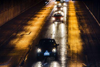 Liikennepäästöjen puolittamiskeinot tuskin herättävät innostusta keskustan kannattajissa
