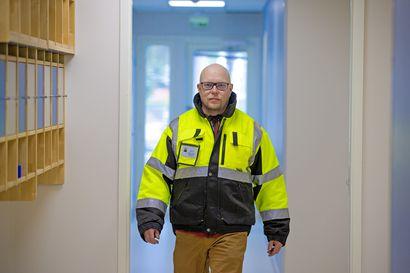 18 vuotta Raahe on ollut Jarkko Vimparille paikka, missä on tehdas - nyt on alkanut tutustuminen kaupunkiin ja ihmisiin