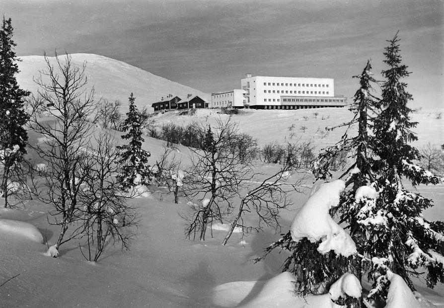 Pallastunturin hotelli 1930-luvun lopulla.