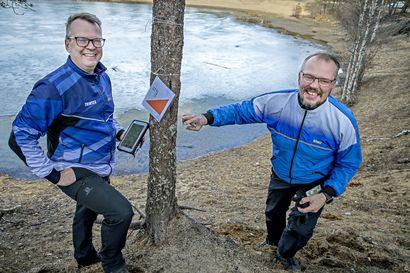 Tekijän käsiala näkyy kartoissa – Kiimingin Urheilijoiden Mika Jurvakainen on tehnyt suunnistuskarttoja 15 vuotta ja jo lapsena seurannut, miten isä niitä teki