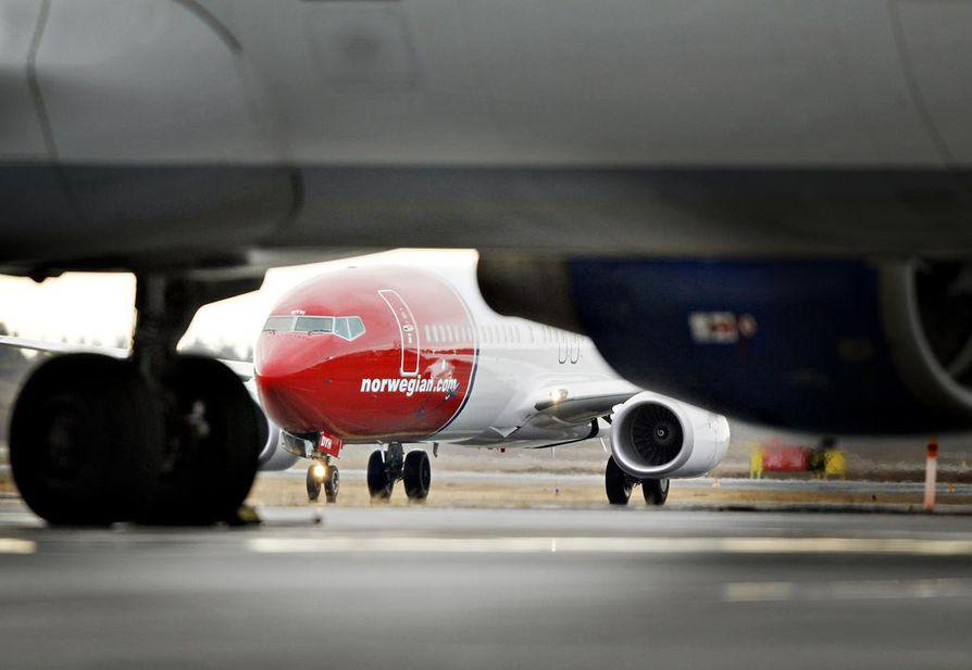 Matkustamossa kielletyt laitteet olisi mediatietojen mukaan lupa kuljettaa koneen ruumassa. Kielto koskisi tietyistä maista tulevaa liikennettä.