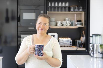 Moni hääpari saa lahjaksi kahvikoneen, mutta ensihuuman jälkeen se voi jäädä pölyttymään keittiöön – Mieti viittä asiaa kahvikonetta ostaessasi