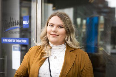 """Outo vuosi koetteli nuoria enemmän kuin luultiin – Ida-Maria Lajoma, 23, pelastui viivyttämällä opintojaan: """"Toivottavasti kesää kohti työnsaanti olisi helpompaa"""""""