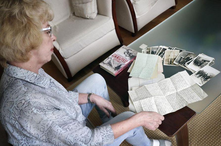 Vimpelistä kotoisin olevalla Maisa Spangarilla on kotonaan arkistojen aarteina oman suvun kirjeenvaihtoa Kanadan ja Suomen välillä 1930-luvun alkupuolelta.