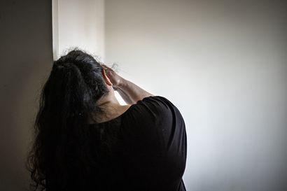 """Äidit kertovat, millaista on elämä kun lapsi käyttää huumeita – """"Joskus olen toivonut, että hän ottaisi yliannostuksen"""""""