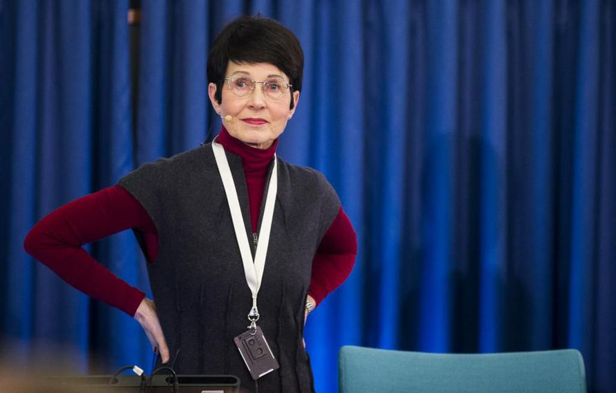 Naisten osuus hallitusammattilaisten joukossa on kasvanut, mutta edelleen Sari Baldauf on suuren pörssiyhtiön hallituksen tulevana puheenjohtajana harvinaisuus.