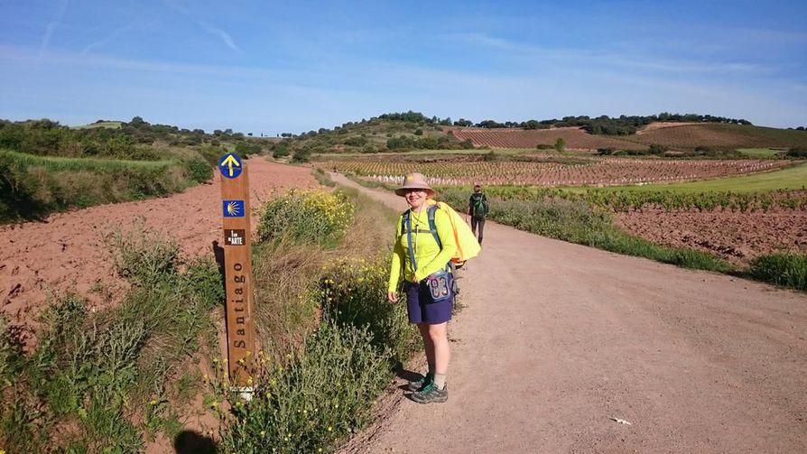 Alinan kanssa kylttien nuolia ja simpukoita seuraamalla oli helppo vaeltaa Pamplonasta Santiago de Compostellaan.
