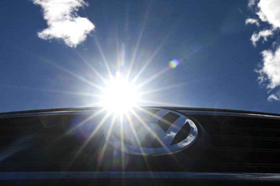 Autokaupan yt-neuvottelujen tuorein päätös koskee Volkswagen-konsernin merkkien maahantuojan K-Auton ja vähittäismyynnistä vastaavan K-Caaran 100 henkilön irtisanomista.