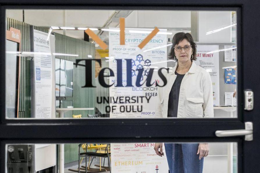Seija Jalagin on huolissaan yliopistolehtoreiden etenemismahdollisuuksista.