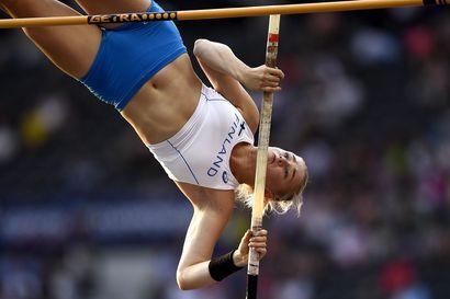 Dohan MM-kisoissa suomalaista yleisurheiluhistoriaa tehnyt naisnelikko alleviivasi hyppylajien vahvaa tilannetta Suomessa – Nykysuuntaus antaa toivoa hurjasta EM-näkymästä