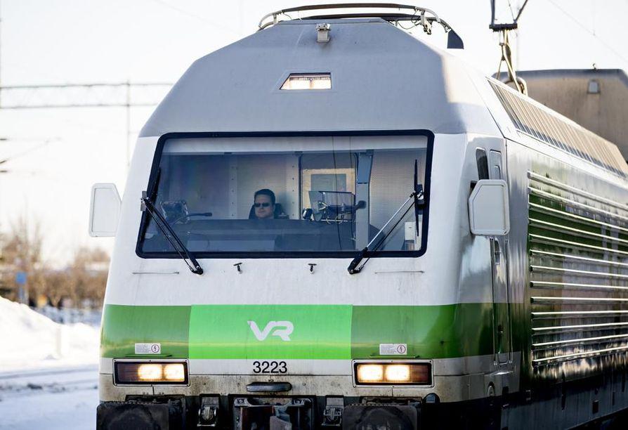VR aloitti uuden junan liikennöinnin vappuaattona. Arkistokuva.
