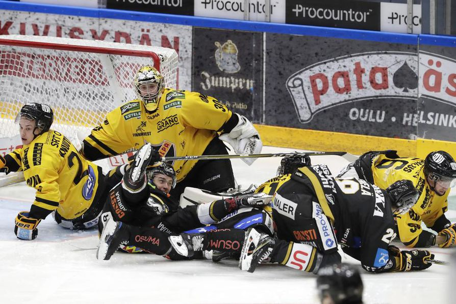 KalPa yrittää napata Raksilasta pudotuspelipaikan kannalta tärkeitä pisteitä.