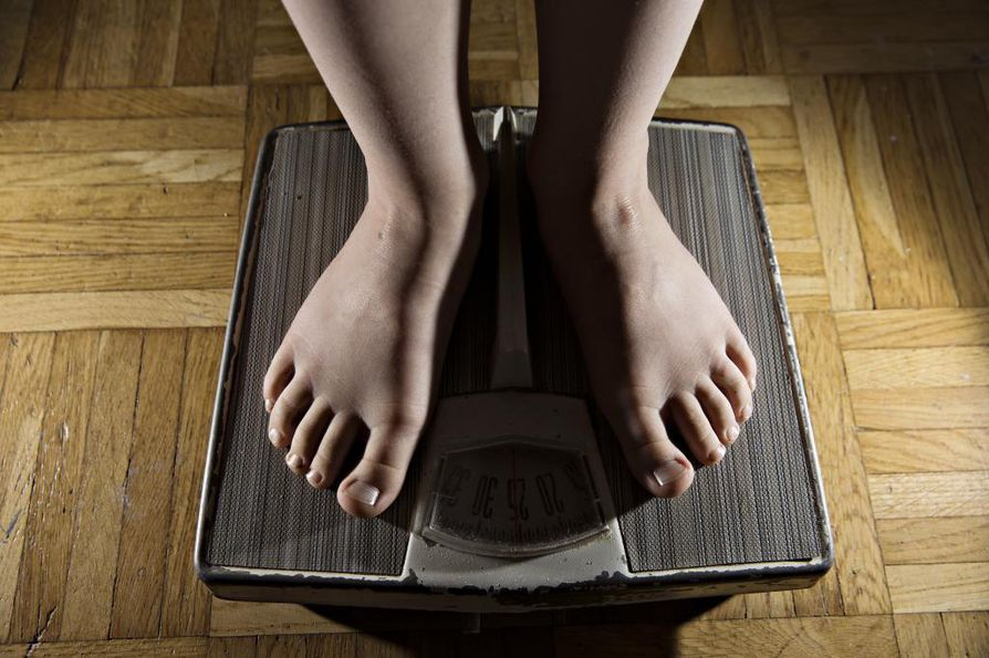 Poikien syömishäiriöillä on todettu vahva yhteys ylipainoon.