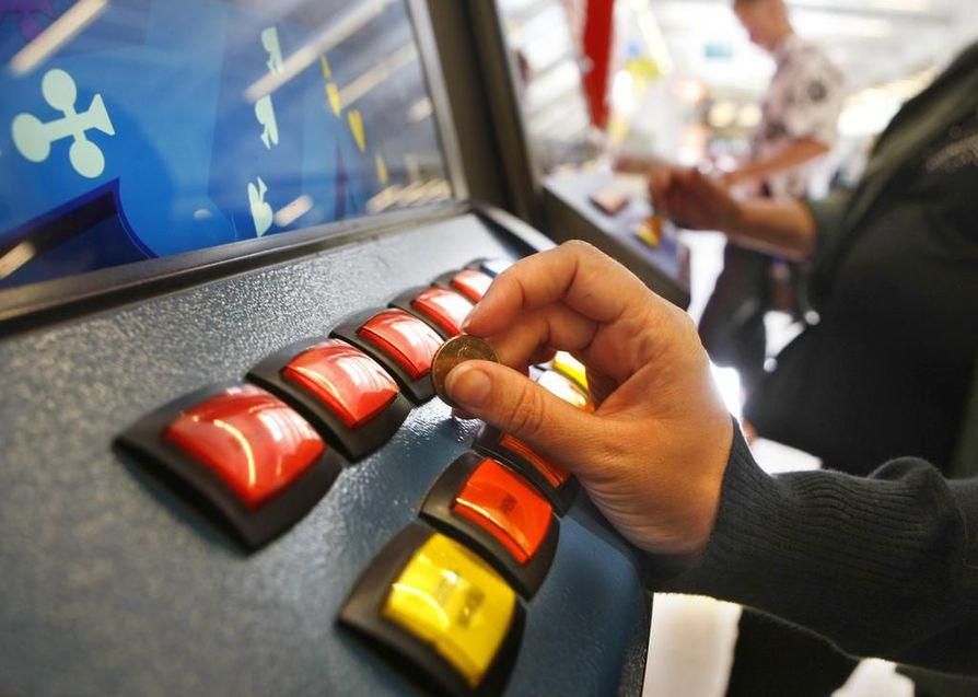 Sunnuntaikäräjillä otetaan kantaa peliautomaattien sopivuudesta kauppojen auloihin.