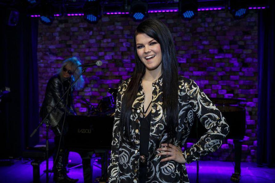 Oulunsalosta maailmalle ponnistanut laulaja Saara Aalto kertoo brittilehti The Sunille, että häntä on pyydetty legendaarisen tyttöbändi Spice Girlsin viidenneksi jäseneksi.