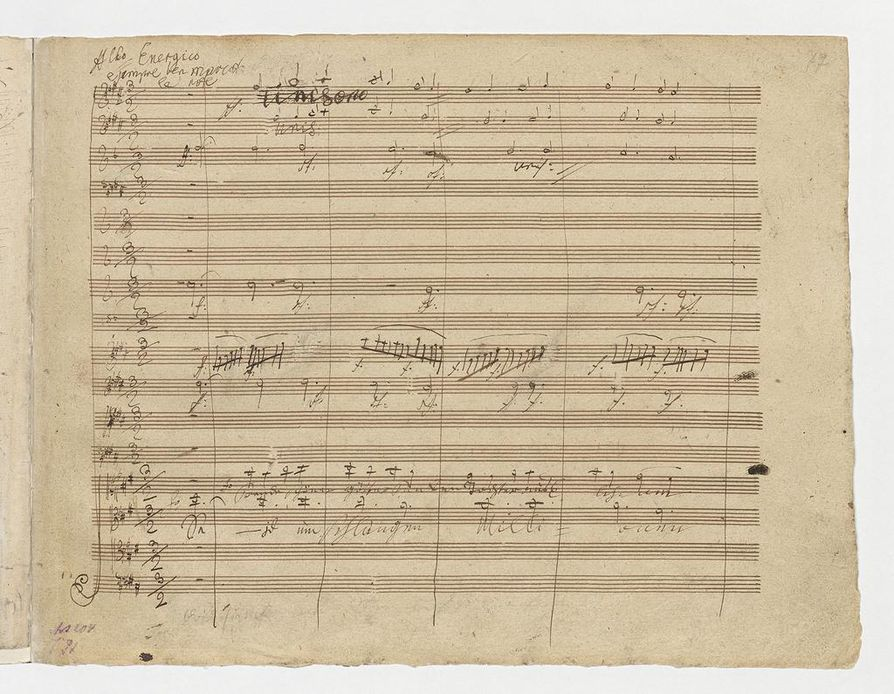 9. sinfonian finaalin Allegro energico e sempre ben marcato -osan alkusivulla näkyy Beethovenin persoonallinen käsiala.