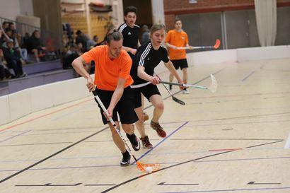 Urheilutärpit: Säbässä turnaus ja jääkiekossa rutkasti kotiotteluita