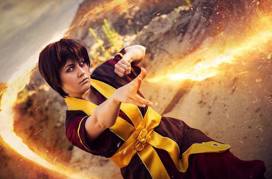 Aino Peltokosken yksi lempihahmo on prinssi Zuko. Kuvaan on editoitu tuli, joka kuuluu läheisesti hahmoon. Hahmo on piirrossarjasta Avatar.