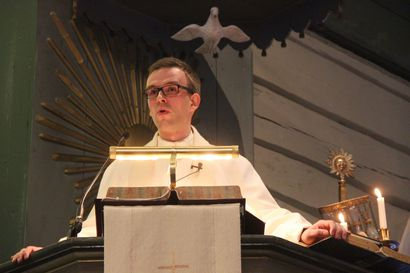 Uusi kirkkoherra Timo Liikanen kiipesi saarnastuoliin – kirkon toimintaympäristö muuttuu