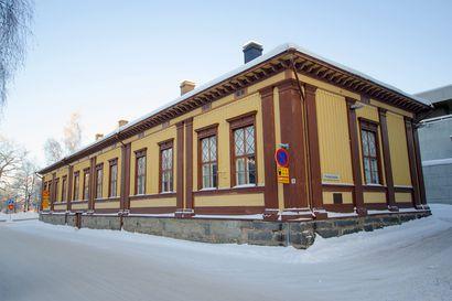 Varvitalosta tuli koulu ja pian ehkä ravintola – Kirkkotorin koulutuskeskus on harvinaisen vanha talo Oulu keskustassa sijaitsevaksi puurakennukseksi, ja kohta se saa uuden elämän