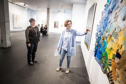 Rovaniemen taidemuseo avoimin ovin: Kevyitä, keraamisia ja sinisiä ajatuksia