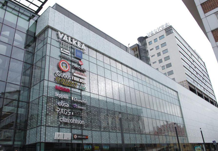 Kauppakeskus Valkea avattiin Oulussa viime keväänä.