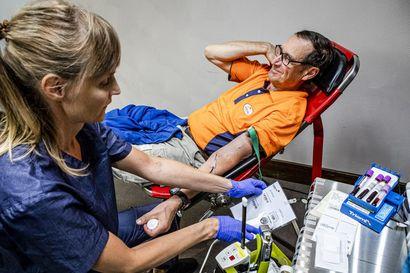 """Yli 200 verenluovutuskertaa takana – """"Jos omalla teolla voi pelastaa yhden ihmishengen, niin onhan se aika mahtava homma"""""""