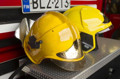 Kuusamontiellä sulamisvettä parikymmentä senttiä – palokunta hälytettiin apuun