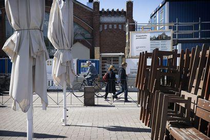 """Ravintoloiden avaaminen sai ihmiset vilkkaasti, mutta viisaasti liikkeelle - Oulussa poliisia työllistivät eniten """"nukkumatin hommat"""""""