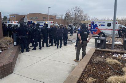 Yhdysvalloissa kymmenen ihmistä on kuollut ampumisessa ruokakaupassa Coloradossa