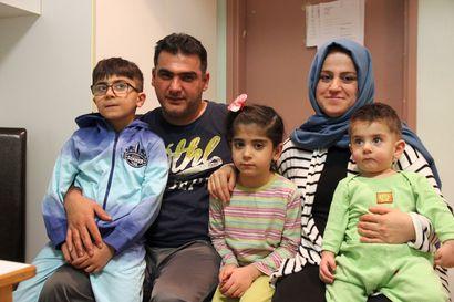 """Kielteisen turvapaikkapäätöksen saaneen perheen vaihtoehdot vähissä – """"Toivomme, että lapsillamme olisi tulevaisuus"""""""