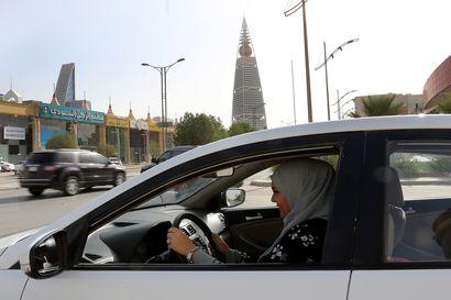 Ihmisoikeusaktivistien oikeudenkäynti jatkuu Saudi-Arabiassa – pidätetyt naiset kampanjoivat naisten ajo-oikeuden puolesta